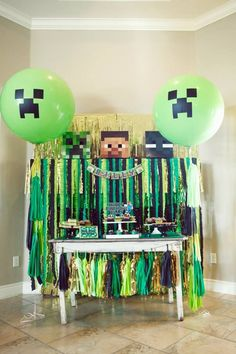 Very cute and well done Minecraft party Diy Minecraft Birthday Party, 6th Birthday Parties, Birthday Diy, Minecraft Party Games, Birthday Ideas, Minecraft 9, Minecraft Crafts, Minecraft Skins, Minecraft Buildings