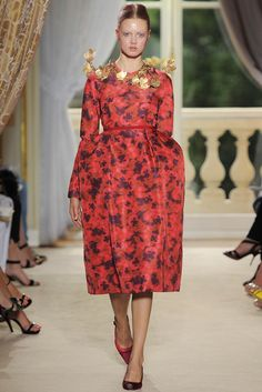 Giambattista Valli Fall 2012 Couture Fashion Show - Lindsey Wixson (Elite)