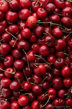 Food — Ivana Jurcic — Food Photographer — Belgrade, Serbia Food Photography (my work) Sweet Cherries Cherry Fruit, New Fruit, Fruit And Veg, Fruits And Veggies, Vegetables, Fruits Basket, Cherry Red, Ivana, Fotografia Macro
