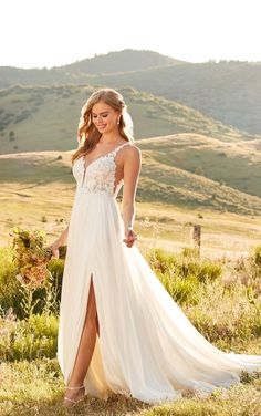 This lace wedding dress from Martina Liana is a dream come true! ☁️ Beautiful lace details and luxurious fabric. Repin This Look to your dream wedding dress board!💕// www.martinaliana.com Greek Wedding Dresses, Grecian Wedding, Wedding Dress Pictures, Bohemian Wedding Dresses, Designer Wedding Dresses, Wedding Gowns, Lace Wedding, Dream Wedding, Summer Wedding