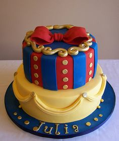 Snow White inspired cake by cakespace - Beth (Chantilly Cake Designs), via Flickr