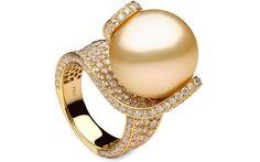 YOKO LONDON EMPRESS ring golden south sea pearl 18k gold diamonds