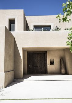 Minimalist Architecture, Architecture Design, Pink Houses, Mediterranean Homes, Facade House, Tropical Houses, Home Deco, Future House, New Homes
