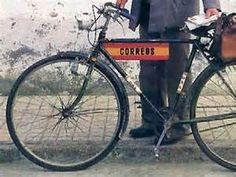 Bicicleta antigua del reparto de Correos español.