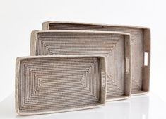 FA-099Tea Trays with Handles (Set of 3)Small Size: 55x31x6.5 cmMedium Size: 75x45x6.5 cmLarge Size: 90x50x8 cmColours: White Wash - Antique - Old Grey