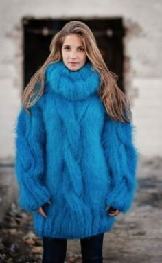 Chunky blue sweater