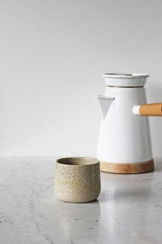 Mug stoneware speckles. Food Bandits shop- Designer: Annemieke Boots