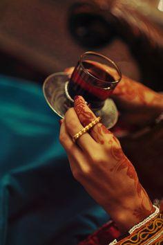 Tea is more then just a comforting warm drink it's living culture. Dubai Fashionista, Arab Swag, Arabic Coffee, Arabic Tea, Coffee Photography, Fabric Photography, South Asian Wedding, Tea Art, Arabian Nights