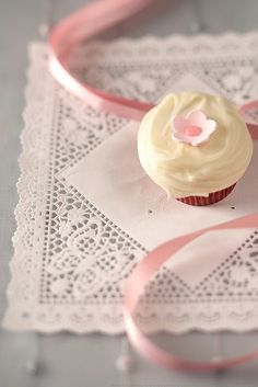 "umla: ""The World's Best Store-Bought Cupcakes? by Lara Ferroni on Flickr. """