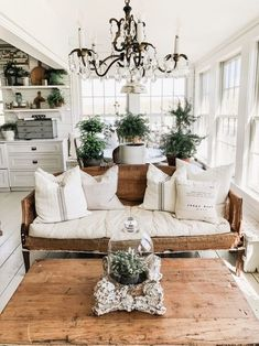 Looking for for images for farmhouse living room? Browse around this site for cool farmhouse living room pictures. This farmhouse living room ideas seems completely brilliant. Quinta Interior, Shabby Chic Decor Living Room, Rustic Chic Decor, Rustic Modern, French Rustic Decor, Cottage Style Living Room, Cottage Style Decor, Rustic Style, Modern Decor