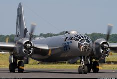 Boeing Superfortress More: Manassas - Municipal (Harry P. Davis) (HEF)More: USA - Virginia, June 2013 Remark Photographer / A (cn Not a bad seat at all! Ww2 Aircraft, Military Aircraft, Us Bombers, Air Force Bomber, Air Machine, Military Pins, Aircraft Pictures, Vintage Birds, Helicopters