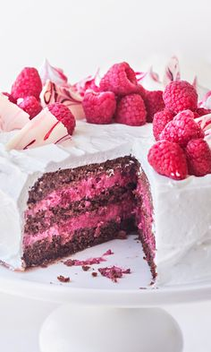 Beautiful and delicious summer berry dessert recipes Realistic Cakes, Delicious Desserts, Yummy Food, Sweet Pastries, Fancy Cakes, Desert Recipes, Chocolate, Let Them Eat Cake, No Bake Cake