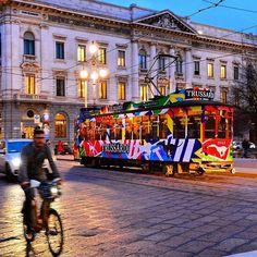 Trussardi campaign - tram - Milan   #trussardi #trussarditram #fashion #moda #italy #urban #city #milano #milan #colori #milanoacolori #tram #trammilano #advertising #outdooradvertising #igpdecaux