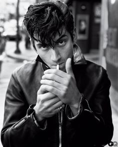 Alex Turner // Have seen the Artic Monkeys twice - the last time was in Benicassim, Spain at their annual music festival. Halfway through killing the set, Alex dropped his leather jacket and continued in his plain white tee - heart swooned and fangirl moment ensued.