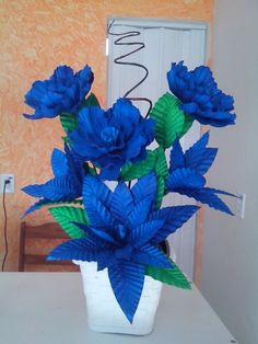 Flower Tutorial, Flower Crafts, Decor Crafts, Blue Flowers, Flower Power, Floral Arrangements, Centerpieces, Paper Crafts, Wreaths
