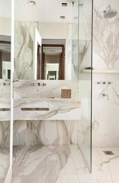 Most Design Ideas Calacatta Marble Bathroom Pictures, And Inspiration – Modern House Budget Bathroom, Bathroom Interior, Modern Bathroom, Small Bathroom, Master Bathroom, Bathroom Ideas, Marble Bathrooms, Design Bathroom, Marble Interior