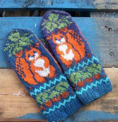 The pattern is in pictorial form with very clear, full-color charts for both hands and thumbs; there is no written instructions. Knit Mittens, Knitted Gloves, Wrist Warmers, Hand Warmers, Knitting Projects, Knitting Patterns, Crochet Baby, Knit Crochet, Fair Isle Knitting