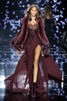Zuhair Murad Couture Fall 15/16: Another glamorous dramatic ensemble! The color is fantastic and of course I love the embellishments. The fur adds drama.
