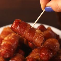 Food Discover Maple Bacon Smokies - Food and Drink Appetizer Recipes Snack Recipes Cooking Recipes Bacon Recipes For Dinner Cooking Kale Party Recipes Turkey Recipes Fish Recipes Drink Recipes Snacks Für Party, Parties Food, Holiday Parties, Summer Parties, Superbowl Party Food Ideas, New Years Eve Party Ideas Food, Party Finger Foods, Party Dips, Party Desserts