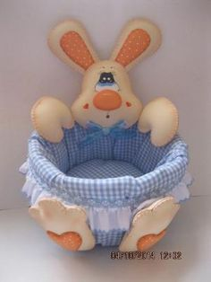 beautiful decorative basket/box for baby s stuffs Foam Crafts, Diy And Crafts, Crafts For Kids, Baby Shawer, Baby Kids, Baby Baskets, Felt Toys, Baby Sewing, Easter Crafts
