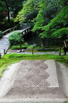 びゃくさだん 法然院 京都 白砂壇 京都 青もみじ Honen in , Kyoto