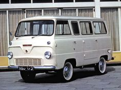 Ford Thames Mini bus (UK) - My parent's shop was doing well & soon they traded their old van in for one of these. Classic Campers, Classic Trucks, Little Truck, Mini Bus, Cool Vans, Vintage Vans, Vw T1, Sweet Cars, Commercial Vehicle