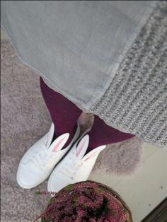 värikkäät tukisukat & bunnyshoes Sneakers, Shoes, Fashion, Tennis, Moda, Slippers, Zapatos, Shoes Outlet, Fashion Styles