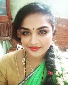 Very Beautiful Woman, Glamorous Makeup, Cute Beauty, India Beauty, Girl Photos, Beauty Women, Candid, Glamour, Curvy Women