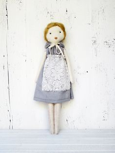 Rag doll, Béatrice / by les petites mains modern day rag doll- i like the apron and her hair
