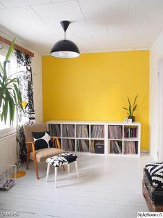 Olohuone - Sisustuskuvia jäseneltä MiiMii - StyleRoom Minimalist Home, Vintage, Home Decor, Minimalist House, Decoration Home, Room Decor, Vintage Comics, Home Interior Design, Minimal Home