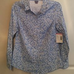 Brand New Button Down Shirt Perfect top to wear with some jeans and boots to go to a rodeo or a western event!  Laura Scott Tops Button Down Shirts