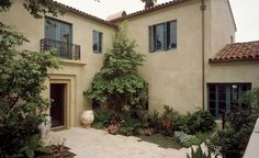 exterior colors colonial spanish paint goodman residence appleton architects