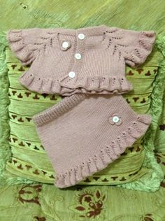 This Pin was discovered by HUZ Baby Dress Patterns, Baby Knitting Patterns, Crochet Baby, Knit Crochet, Pakistani Bridal Dresses, Boho Skirts, Boho Baby, Knitting For Kids, Baby Sweaters