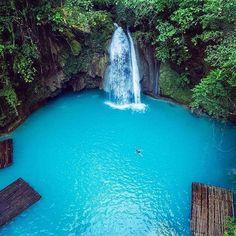 Kawasan Falls . Phillipines