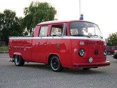 www.germanlook.org Vw Bugs, Vw T1, Volkswagen, Kombi Pick Up, Combi Vw, Hippie Lifestyle, Rescue Vehicles, Vintage Vans, Commercial Vehicle