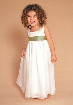 maybe it's just the adorable little girl, but this is a great little flower girl dress