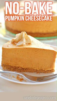 This no-bake pumpkin cheesecake is SO GOOD and it's really simple to make! It's so creamy and delicious! Loaded with all the best fall flavours, it's sure to become one of your favourite fall recipes. This is such an easy no-bake Thanksgiving dessert idea. No Bake Pumpkin Cheesecake, Easy Cheesecake Recipes, Pumpkin Cheesecake Bars, No Bake Pumpkin Pie, Pumpkin Cake Recipes, Homemade Cheesecake, Cheesecake Bites, Pumpkin Pie Recipe Graham Cracker Crust, 7 Inch Cheesecake Recipe