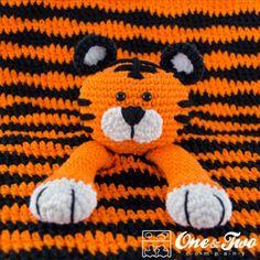 Tiger Lovey pattern by Carolina Guzman Crochet Security Blanket, Crochet Lovey, Baby Security Blanket, Crochet Bebe, Crochet Blanket Patterns, Baby Blanket Crochet, Free Crochet, Crochet Pillow, Crochet Afghans