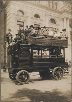 Photos: NYC Tourists Throughout The Ages: Gothamist (the tour buses have really changed !)