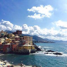 #Boccadasse, una delle zone più caratteristiche di #Genova perché sembra di essere in un borgo delle #Cinqueterre. La città ricca di attrattive per I turisti, dista da #DeivaMarina 60 km e si...