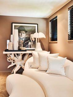 The Netherlands / Huizen / Head Quarter / Show Room / Corridor / Cravt / Majestic / Pipistrello / Martinelli Luce / Ron Galella / Eric Kuster / Metropolitan Luxury