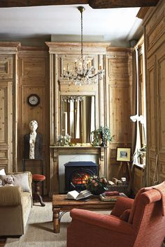 Original wood-panelled walls in a Bruges guest house on Groenerei canal, Number 11 Bruges, Parlor Room, Interior And Exterior, Interior Design, Traditional Fireplace, Traditional Decor, Elegant Homes, Beautiful Space, Beautiful Interiors