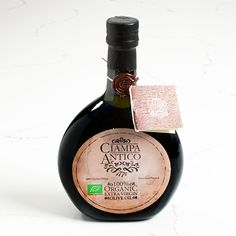 This extra virgin olive oil is obtained from the first cold pressing with a stone mill of selected olives. Gourmet Gift Baskets, Gourmet Gifts, Gourmet Recipes, Farmers Cheese, Gourmet Cheese, Maytag Blue Cheese, Spanish Cheese, Extra Virgin Oil