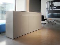 Highboard wohnzimmer ~ Sideboard mit schiebetüren everywhere lack hochglanz weiß von