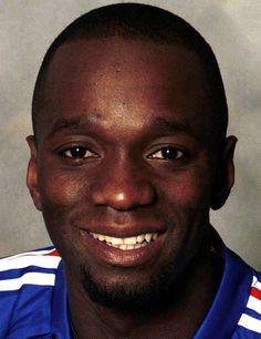 Claude Makélélé - Profil du joueur Paris Saint, Claude, Chelsea Fc, Saint Germain, Google, Profile, World Of Sports, Athlete, Chelsea F.c.