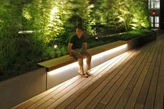 When designing your backyard, don't forget to carefully plan your lighting as well. Get great ideas for your backyard oasis here with our landscape lighting design ideas. Architectural Lighting Design, Landscape Lighting Design, Landscape Architecture Design, Light Architecture, Banco Exterior, Exterior Design, Backyard Lighting, Outdoor Lighting, Exterior Led Lighting