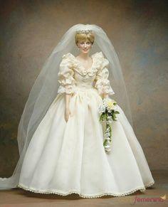 Muñeca Princesa Lady Di vestida de novia