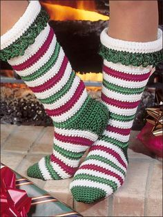 Crochet - Holiday & Seasonal Patterns - Christmas Patterns - Candy Cane Stockings
