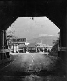 March 1934 - View from inside the Old Broadway Tunnel when it was closed for repairs after timbers fell. California History, Oakland California, Timber Falls, Oakland Tribune, San Ramon, East Bay, Modern City, Local History, Future Travel