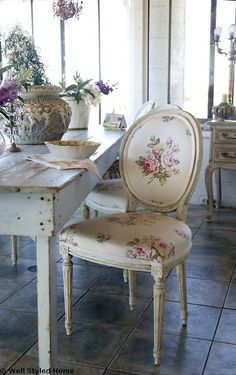 roses shabby chic chair